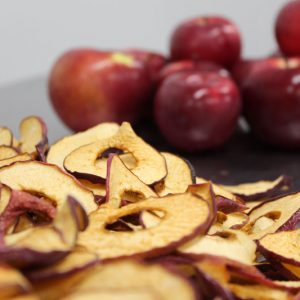 dehydrated-organic-apples-from-quebec-slices